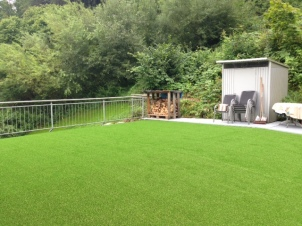 100 m² Terrasse Richtung Wald